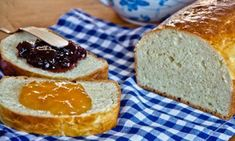 Brioche Légère Sans Beurre WW Light brioche without butter WW, recipe of a tasty brioche without fat cheese, soft and easy to relieve for breakfast. Weight Watchers Desserts, No Cook Desserts, Sin Gluten, Weigh Watchers, Donuts, Tasty, Yummy Food, Butter, Diy Food
