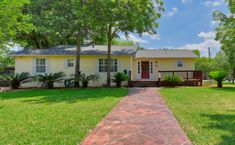 102 Irvington - Piture perfect cottage with 4 bedrooms, 3 baths on corner lot offered for $475,000, MLS #1312453