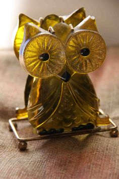Vintage Green Lucite Owl Napkin Holder by 2BarnPickers on Etsy