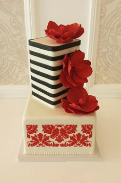 Birthday Cakes for Her - I would ADORE this cake for my b-day!