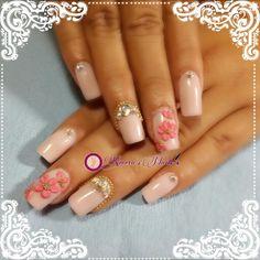 #nails #uñasbellas #uñasacrilicas #acrilycnails #diseño #kimerasnails #glitter #nude #fashionnails #fashion #sculpturenails #esculturales #sculpture #pink #pinkis #rosa #fresas #3Dflower #3D #flores