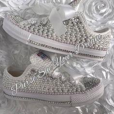 PRIJZEN begint op 140 dollar voor het bovenstaande ontwerp. Citaat van de uiteindelijke prijs is afhankelijk van schoenmaat, schoen ontwerpen nodig en wel of niet ik ben het verstrekken van de schoenen om te ontwerpen. ****  ~~~~~~~~~~~~~~~~~~~~~~~~~~~~~~~~~~~~~~~~~~~~~~~~~~~~~~~~~~~~~~~~~~~~~~~ GELIEVE NIET KOPEN DEZE AANBIEDING ALS HET IS VOOR RECLAME ALLEEN. GELIEVE MESSAGE ME TO SET UP EEN AANGEPASTE LIJST VOOR UW AANGEPASTE SCHOEN ONTWORPEN. GARANTIE ALS DE MEEST CONCURRERENDE PRIJZEN…