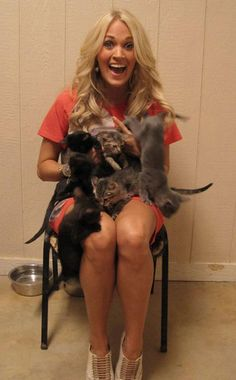 Carrie Underwood, This is so cute! She spent the day volunteering at her hometown animal shelter!