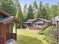 Bostäder till salu - Horgenäs, Alvesta kommun - Hemnet Cabin, House Styles, Home Decor, Decoration Home, Room Decor, Cabins, Cottage, Interior Design, Home Interiors
