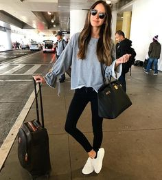 comfy airport flying ootd