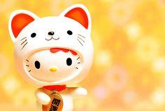 Maneki Neko Hello Kitty :)