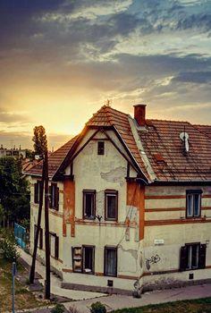 https://flic.kr/p/WfKw4i | sunrise in South Budapest (Wekerle estate)