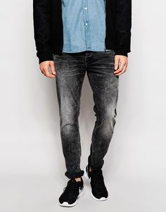 "Slim jeans by Only & Sons Stretch denim Acid wash Button fly Five pockets Slim fit - cut closely to the body Machine wash 98% Cotton, 2% Elastane Our model wears a 32""/81 cm regular and is 185.5cm/6'1"" tall"