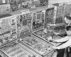 Bingo Pinball Machines & Gumball Coin-Op 8x10 Reprint Of Old Photo