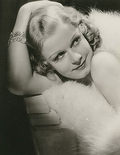 The film's star, Jean Harlow, is pictured here in a glorious portrait of Golden Age of Hollywood glamour, sophistication, and sex appeal. This is truly a gorgeous portrait of Hollywood's original blonde bombshell! Old Hollywood Glamour, Golden Age Of Hollywood, Vintage Hollywood, Hollywood Stars, Classic Hollywood, Vintage Glamour, Divas, George Hurrell, Queens