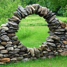 moon gate - cooooool, I think I'll wait till the boy grows up before I try to make one of these :):