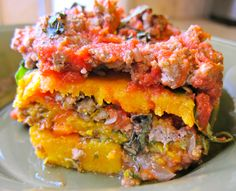 Roasted Butternut Squash and Spinach Lasagna - minus the meat, add some daiya cheese - this sounds delicious!