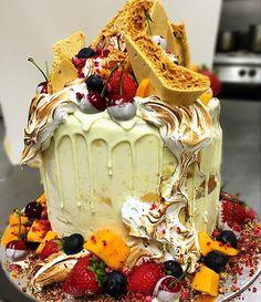 Pâtissez - Vanilla chiffon cake layered with the most amazing mango mousse - vanilla bean Swiss meringue butter cream - Lindt white chocolate drip - mother loads of torched Italian meringue - big 'ole chunks of fresh made honeycomb & stacks of seasonal fresh fruits