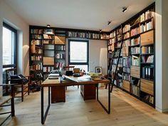 meuble bibliothèque noir et bois clair et plancher assorti dans le bureau maison design
