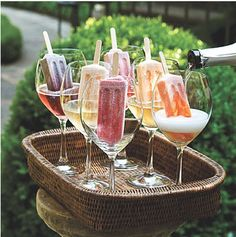 Grown-Up Dessert - The Ultimate Backyard Pizza Party - Southernliving. Fancy up frozen fruit pops with a splash of Prosecco for a fun and colorful display. Perfect keep-you-cool drinks for my backyard bbq! Pizza Party, Cocktail Drinks, Alcoholic Drinks, Champagne Cocktail, Alcoholic Popsicles, Bbq Drinks, Champagne Toast, Wedding Champagne, Cocktail Ideas