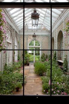 decordesignreview: trellised wall in conservatory at Badminton House, Gloustershire England