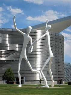 """""""Dancers"""" by Jonathan Borofsky at the Denver Center for Performing Arts"""