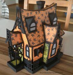 Buntbestempelt Halloween Goodies, Halloween Cards, Holidays Halloween, Happy Halloween, Halloween Decorations, Putz Houses, Gingerbread Houses, Home Crafts, Diy Crafts