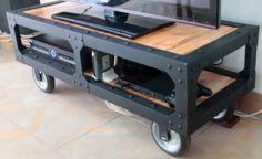 mesa industrial en hierro y madera