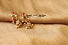 Gold Jhumka Earrings, Indian Jewelry Earrings, Jewelry Design Earrings, Gold Earrings Designs, Gold Jewellery Design, Ear Jewelry, Bead Jewellery, Dress Jewellery, Gold Jewelry Simple