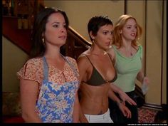 Picture of Alyssa Milano Phoebe Charmed, Serie Charmed, Charmed Sisters, Charmed Tv Show, Alyssa Milano Charmed, Alyssa Milano Hot, Seinfeld, Hottest Female Celebrities, Celebs