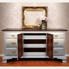 Chalk painted blended dresser with gray and cream gradient ombré technique. Using Dixie Belle Chalk Paint. #bowtietreasures #dixiebellepaint Chalk Paint Dresser, Chalk Paint Furniture, Painted Dressers, Furniture Design, Painted Furniture For Sale, Traditional Dressers, Antique Buffet, Dixie Belle Paint, Vintage Vanity