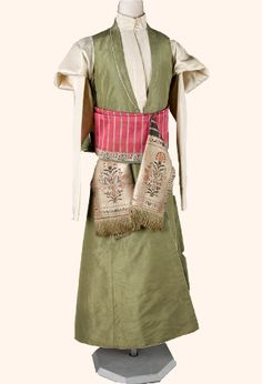 This is Polish traditional male costume, kontusz and żupan, 1770. Costumes in this period had very strong Turkish influences.
