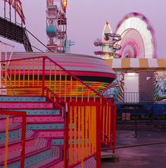 Image about carnival in 🌸🌸🌸 by Sophie on We Heart It Vaporwave, Summer Nights, Summer Vibes, Neon Nights, Magenta, Vsco, Wanderlust, Fun Fair, Coney Island