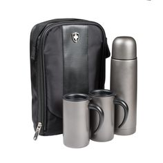 The four piece Swiss Peak Thermos Set includes a 500ml vacuum flask, 2 x 300ml mugs in a gunmetal matt finish and comes in a strong zippered carry case. #promotionalproduct #promotional #product #thermos #thermos #flask #vacuumflask #mugs