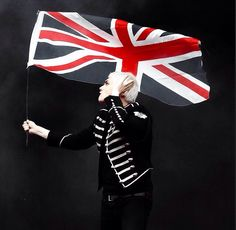 Gerard Way ❤️<<the only time i've ever felt any british pride is when i saw gerard holding our flag