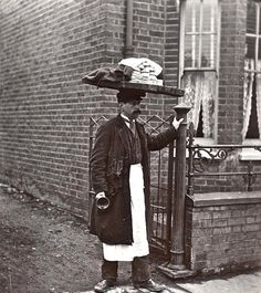 "A Muffin Man, London~ Victorian/Edwardian households had many fresh foods delivered; muffins would be delivered door-to-door by a muffin man. ""Have you seen the muffin man, the muffin man.Have you seen the muffin man who lives down Drury Lane? Victorian London, Vintage London, Victorian Life, London History, British History, Asian History, Tudor History, Old London, Old Pictures"