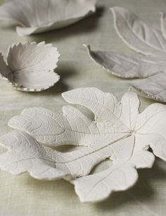Clay leaf bowls - wouldn't they look lovely with a Pinata colors glaze?