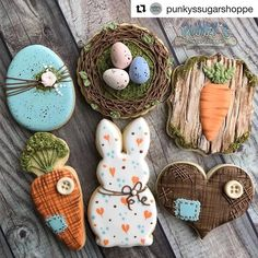 How cute is this Easter rustic cookie set from the talented Check out the link for more info on this set and also class… Crazy Cookies, Fancy Cookies, Iced Cookies, Cute Cookies, Easter Cookies, Birthday Cookies, Sugar Cookies, Heart Cookies, Cupcakes