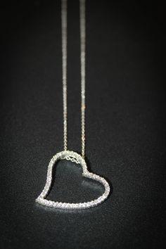 ¡Falta menos de un mes para San Valentin!  Si quieres sorprender a tu pareja con uno de nuestros diseños ahora es el momento, ¡estamos de rebajas!