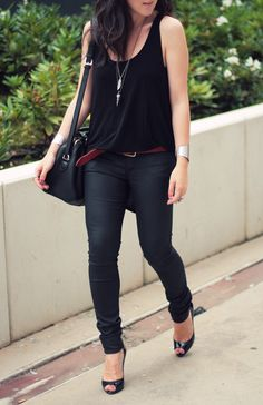 Top & Wet Jeans : H&M – Heels : Christian Louboutin – Belt : Zara – Necklaces : Fashionology – Bra : Zadig & Voltaire