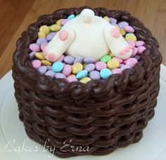 This bunny basket cake was so much fun to make!