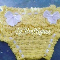 calcinha bunda rica Baby Girl Crochet, Crochet Baby Clothes, Love Crochet, Crochet For Kids, Knit Crochet, Crochet Flower Tutorial, Crochet Flowers, Crochet Designs, Crochet Patterns