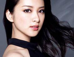 武井咲 Emi Takei Cute Japanese, Japanese Beauty, Japanese Girl, Asian Beauty, Color Me Beautiful, Beautiful Person, Beautiful Asian Women, Emi Takei, Asian Makeup