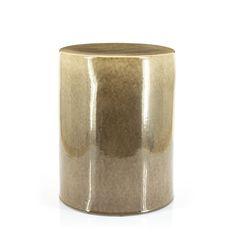 Bijzettafel Dainty is een bijzettafel uit de voorjaarscollectie 2021. Deze knapperd is gemaakt van keramiek en heeft een geglazuurde afwerking. Uitgevoerd in natuurlijk kleuren en materialen is dit bijzettafeltje helemaal on-trend en onmisbaar in je interieur. Dainty is verkrijgbaar in de kleuren crème/taupe en taupe. Ps. Dainty combineert perfect met Glaze. Interior Concept, Taupe, Sale Items, Glaze, Candle Holders, Ceramics, Shapes, Contemporary, Home Decor