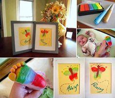 Une idée de génie pour un beau souvenir avec l'empreinte de pied de notre enfant ! Utilisez de la gouache ou de la peinture acrylique. Vous pourrez y ajouter de nombreuses améliorations en fonction de vos préférences, de ce que...