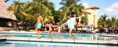 Encuentra los 5 mejores lugares para refrescarte, jugar y nadar durante tu próxima estancia en Sandos Playacar Beach Resort http://blog.sandos.com/5-lugares-nadar-sandos-playacar/