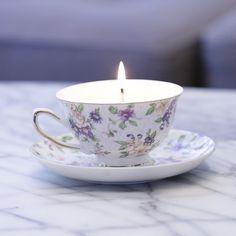 Upcycled Teacup Candles Très bonne idée cadeau #candlemaking