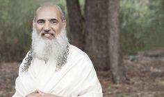 Você já conhece o guru Sri Prem Baba? Conheça algumas ideias que ele nos dá para atingirmos a transformação do ser espiritual. #eusemfronteiras