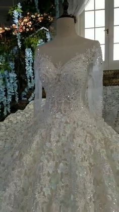 Elegant Wedding Dresses 2019 Off the Shoulder Champagne Wedding Gown 2019 Crystal Beaded Top Tulle Vetsido de Novia Hijab Wedding, Big Wedding Dresses, Elegant Wedding Dress, Bridal Dresses, Bling Wedding, Lace Wedding, Champagne Wedding, Bustier, Marie