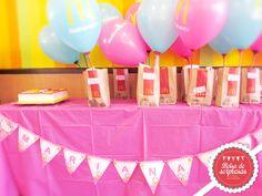 Banderines personalizados Hello Kitty, Party