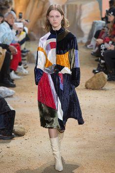 Lacoste Otoño Ready-to-Wear imagina el futuro de la moda en Marte