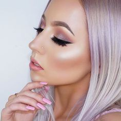 Glowing @kaseyrayton  BROWS: #Dipbrow in Taupe  GLOW: That Glow #glowkit  #anastasiabeverlyhills #anastasiabrows