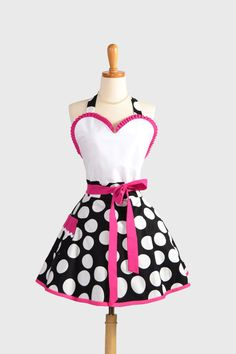 Sexy Retro Pinup Apron : Flirty and Cute Moda Half Moon Black and White Polka Dot Sweetheart Apron With Hot Pink in Vintage Style Full Skirt