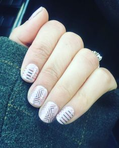 #dazzlingdarlingjn what a stunner. I love this wrap subtle #pinkmanicure #metallicmani #metallicnails #stripednails pc: Jennifer Wilson This is another #gorgeousnailwrap #easynails from our #springsummercatalog :D I missed this one now it's #onmylist #getonmylist what do the #nailbestiesvip think?