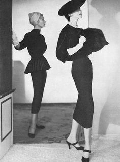 Lisa(l) and Dovima(r), photo by Horst, Vogue 1953
